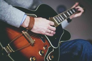 Royal-Gibson-Guitar-Is-The-King