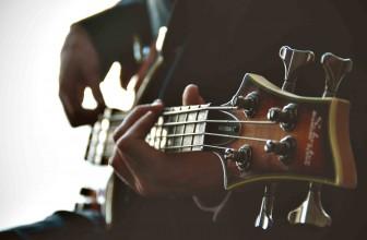 Beginner Guitar – Acoustic Or Electric?
