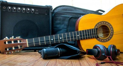 Best Headphones For Guitar Amps | Buyer's Guide & Reviews